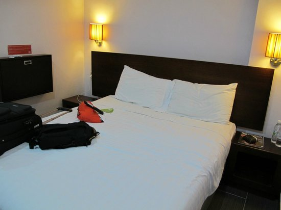 Tune Hotels .com Waterfront Kuching: Room